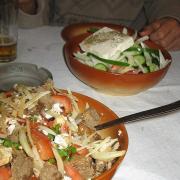 дер. Силвас (Silvas) таверна Вафис (Vafis). Пол-порции салатов